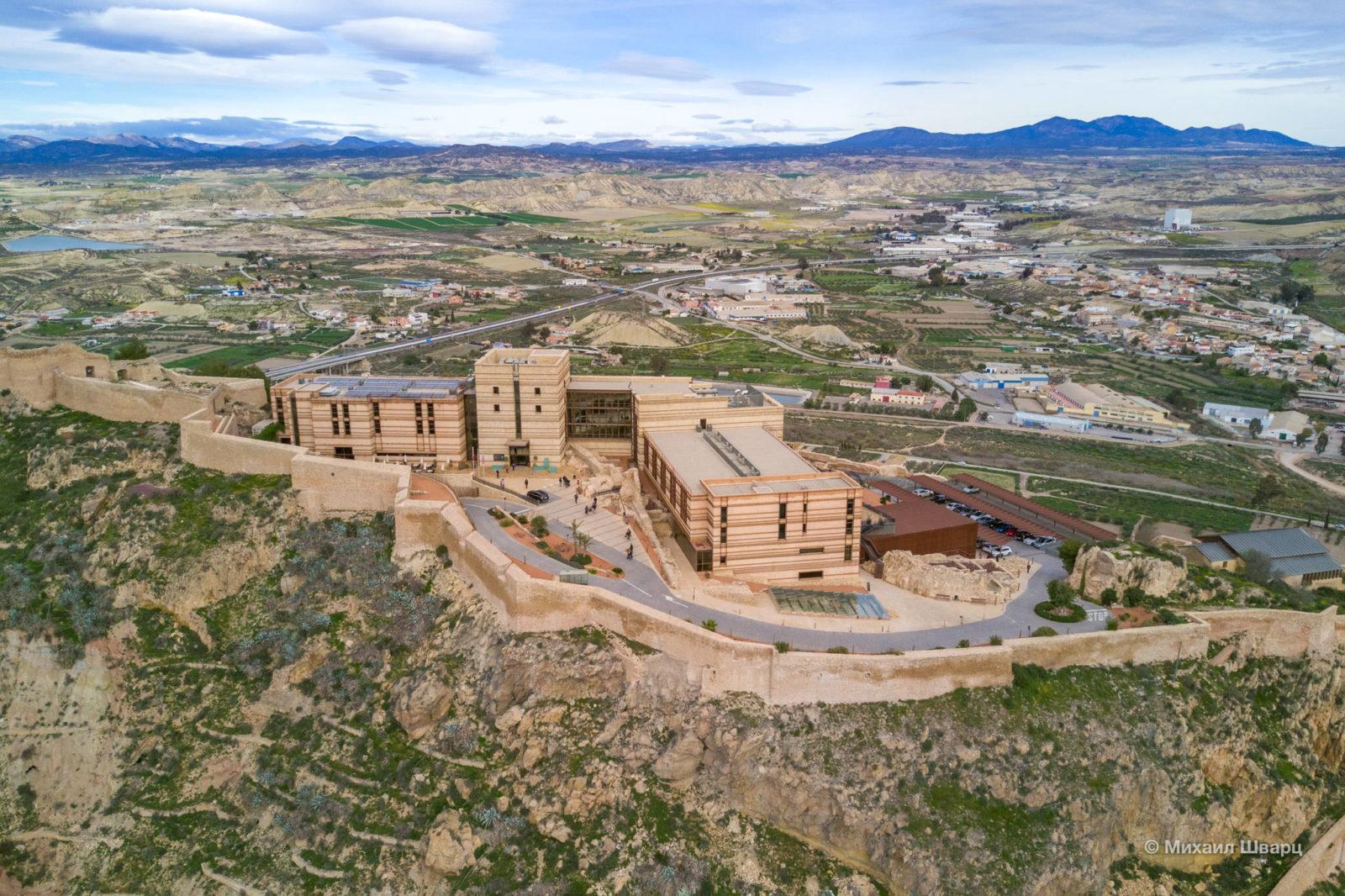 Отель на территории замка