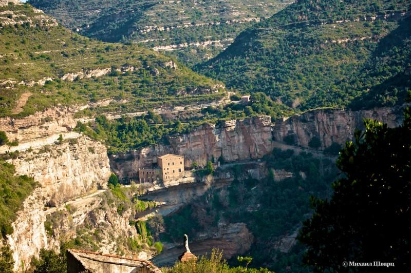 Первая панорама монастыря