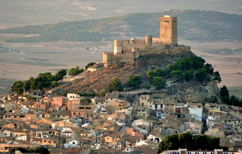 Кастильо де Бьяр – самый красивый замок долины Vinalopó