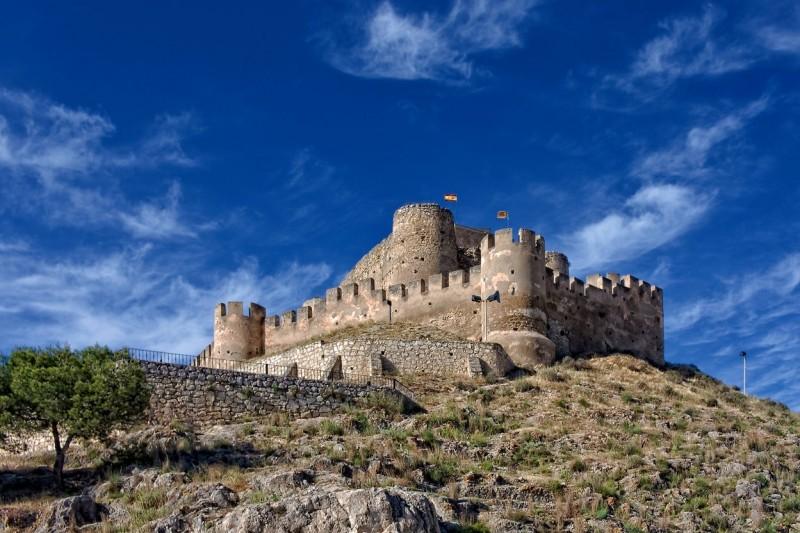Круглые башни замка Биар