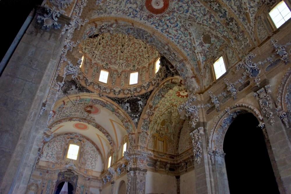 Внутри церкви (фото: Simon Haycox)