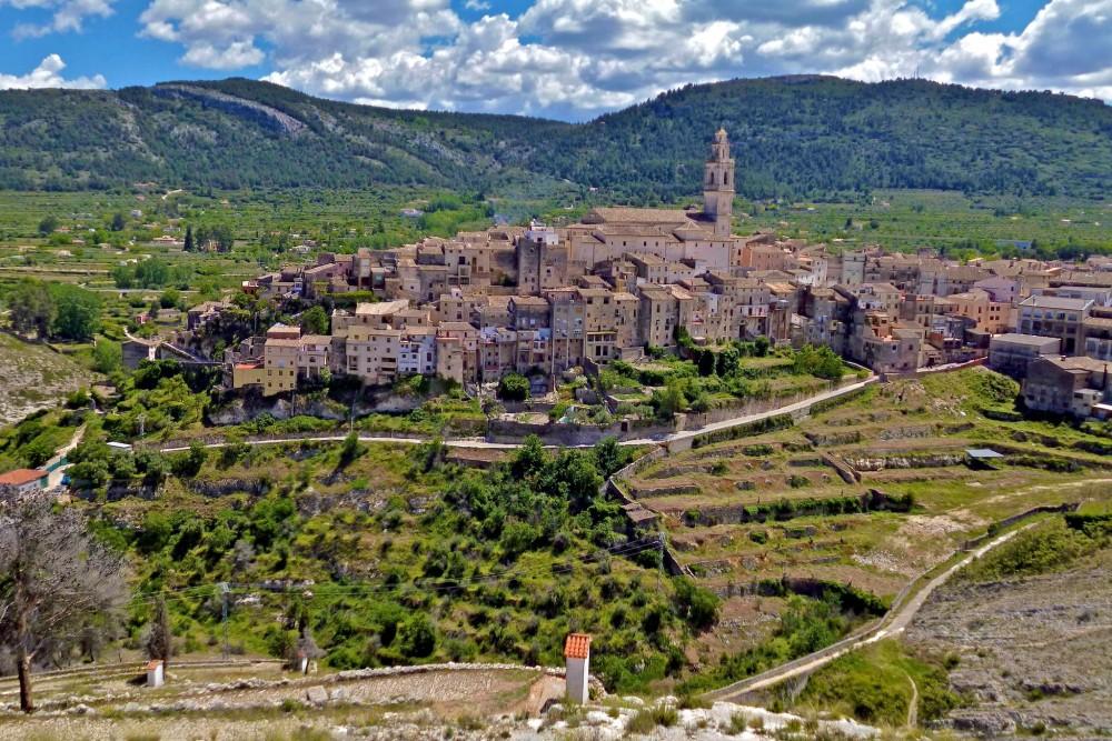 Вид на город от Ermita del Santo Cristo (фото: Javier Piris (Zinaztli))