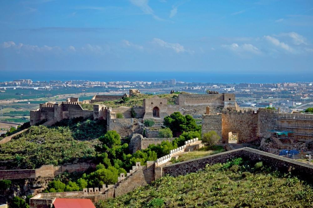 Древняя крепость Castillo de Sagunto (фото: Josedu Lara)