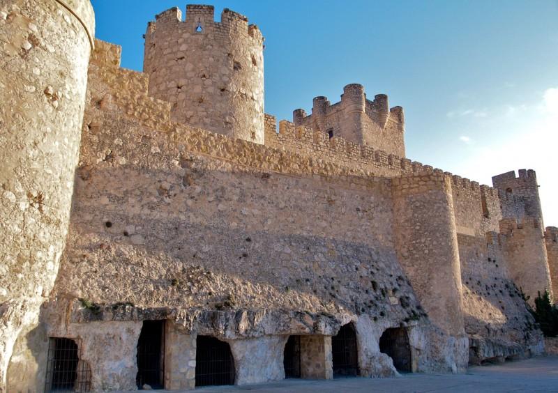 Замок Atalaya в Виллене