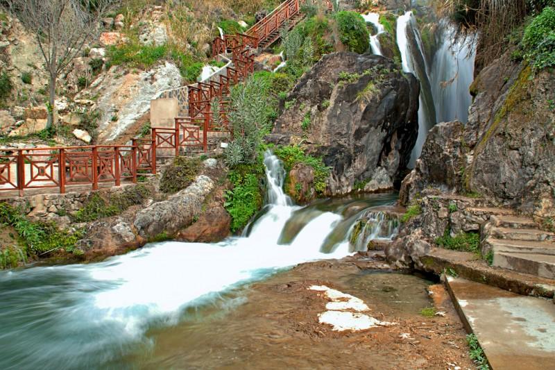 Водопады в Fuentes del Algar