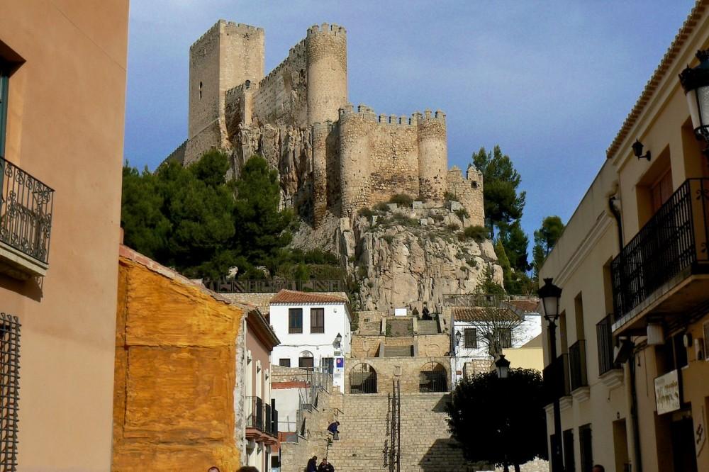 Лестница к замку (фото: luisde)