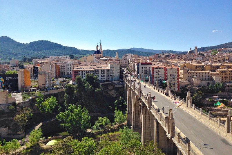 Алькой - город трех рек и тридцати мостов