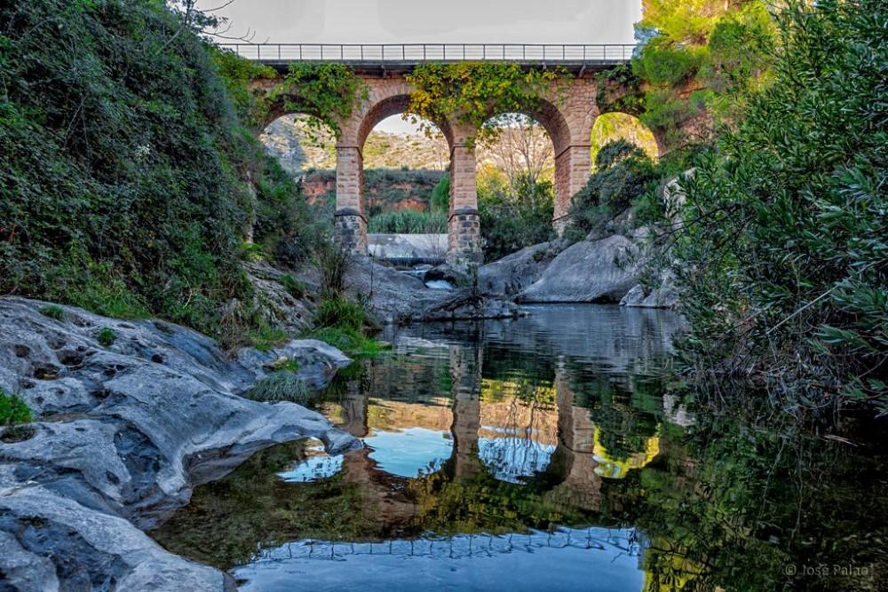 Мост через реку Clariano (фото: Jose Palao Chinchilla)