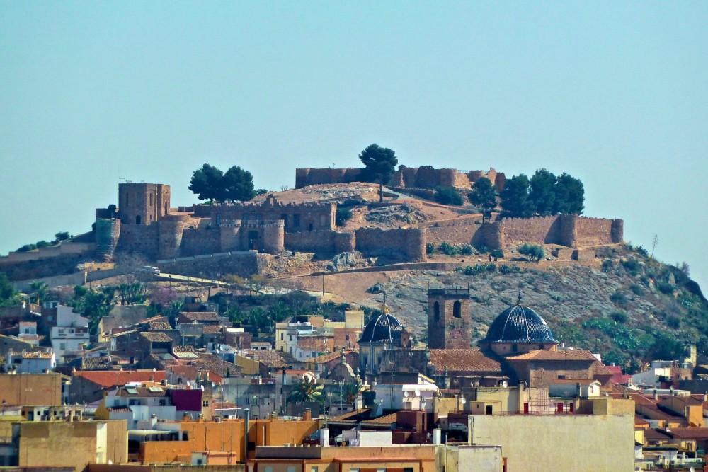 Город Онда и его крепость (фото: Malalts_86)