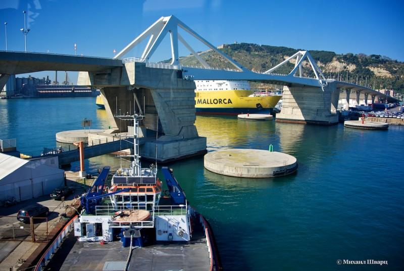 Километровый разводной мост