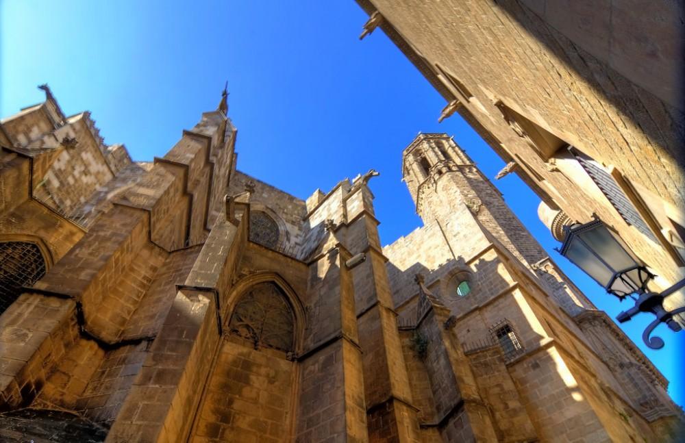 Левая башня Собора Святой Евлалии