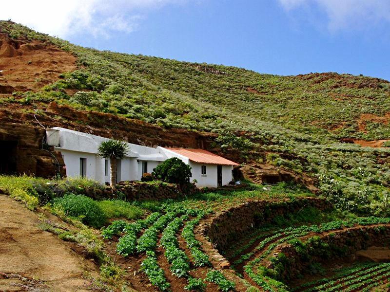 Дома деревни Чинамада (Chinamada)