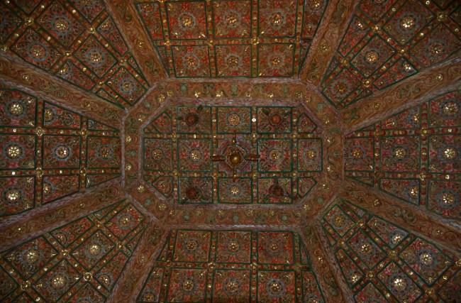Потолок в церкови Санта-Мария