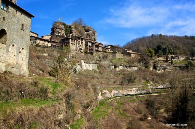 Скалы и Рупит