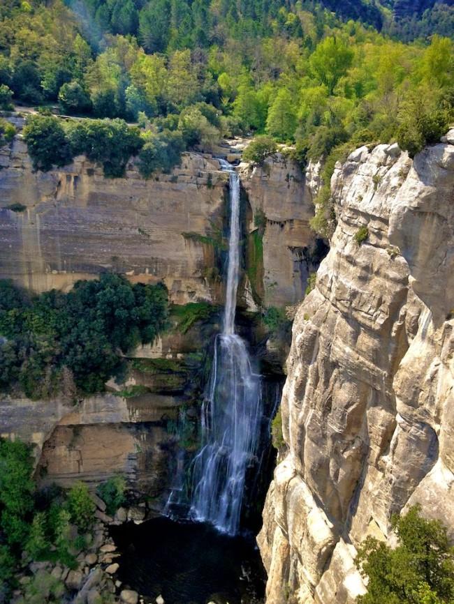 Водопад около Рупита