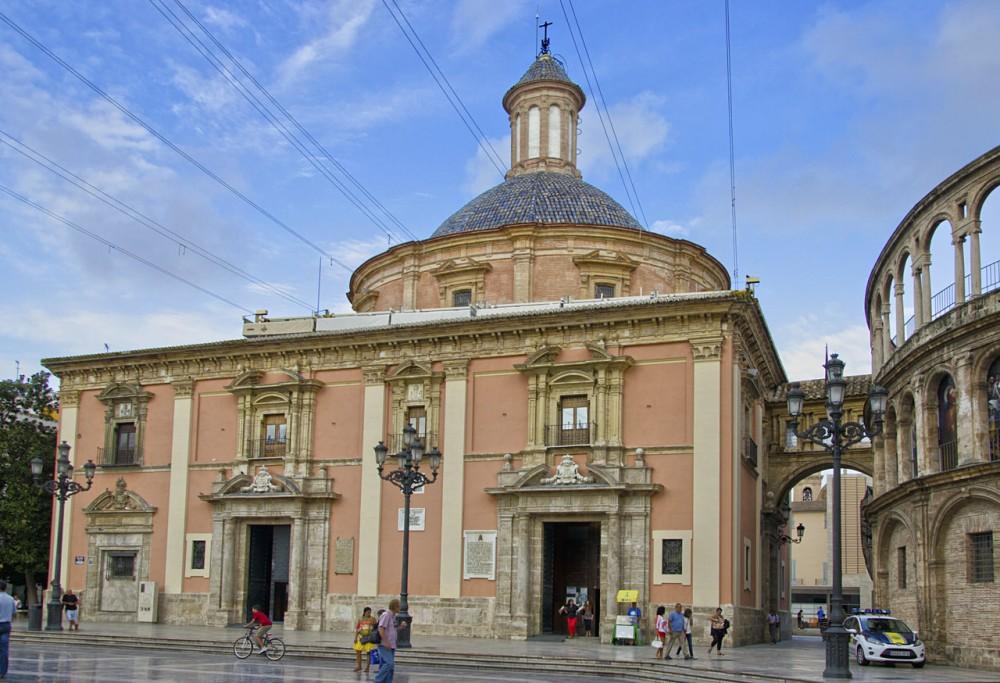 Базилика Святой Девы Отверженных (Basilica de la Virgen de los Desamparados)