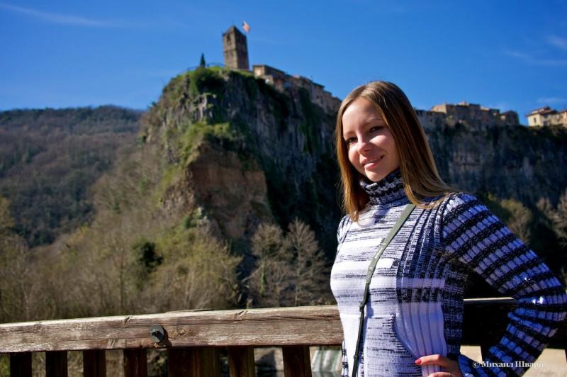 Лена и церковь на скале