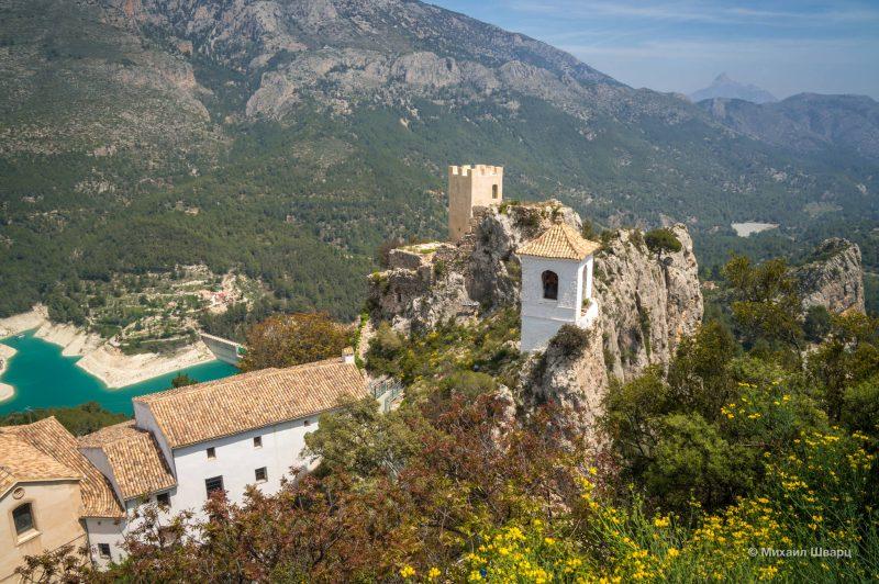 Alcazaiba и смотровая башня (Penon de la Alcala)