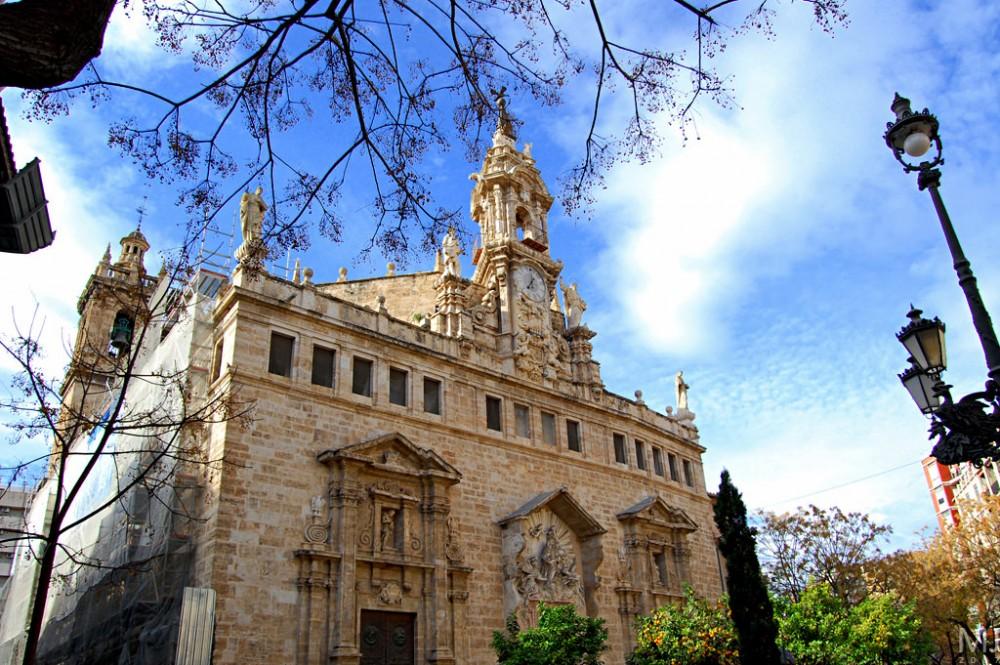 Церковь Сантос-Хуанес (Iglesia de los Santos Juanes)