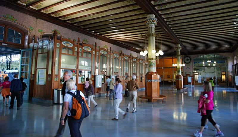 Главный вестибюль Севернго вокзала Валенсии