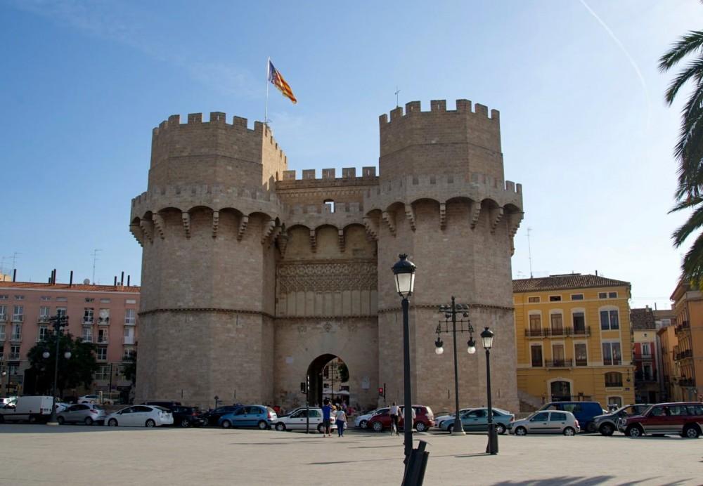 Ворота Торрес де Серранос (Torres de Serranos)
