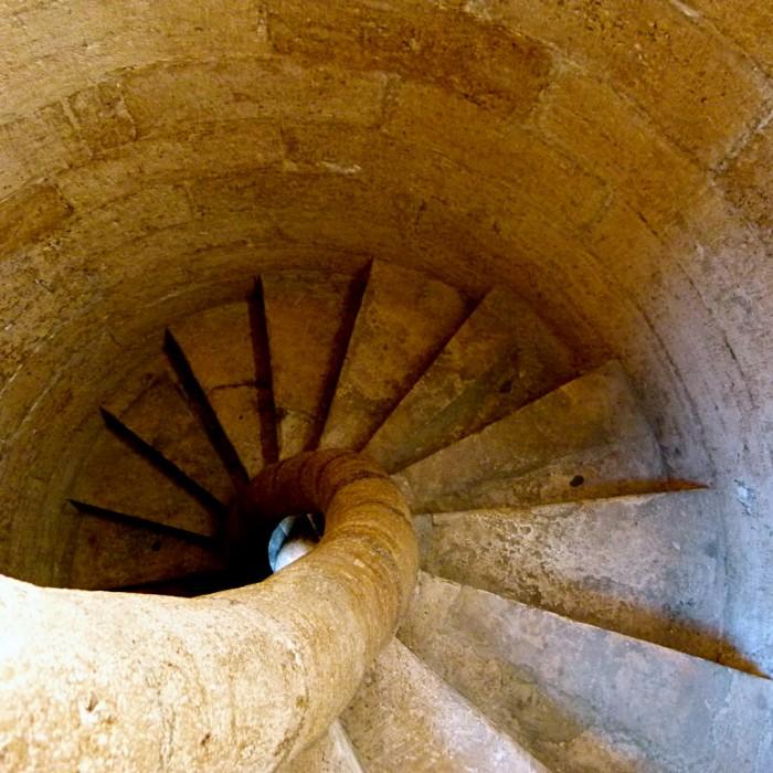 Винтовой лестница к верхней площадке