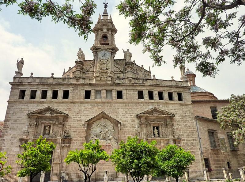 Задний фасад Церкови Святых Иоаннов