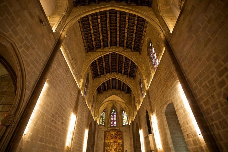 Внутри часовни Святой Агаты (фото: Francisco Aragão)