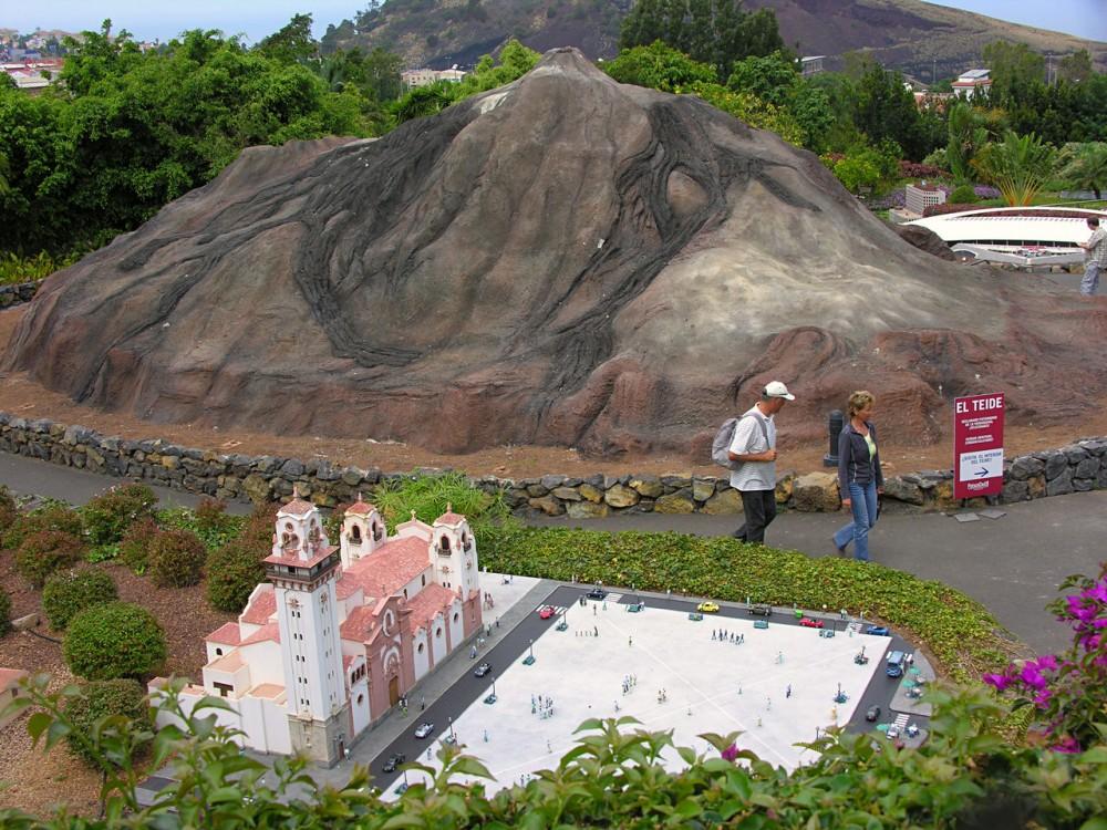 Вулкан Тейде в парке миниатюр