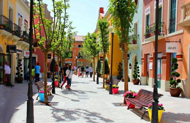 Аутлет La Rocca Village