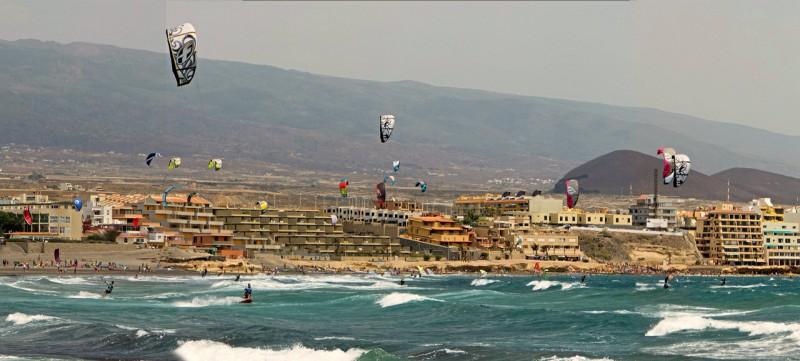 Любители ветра и волн в городке Эль-Медано
