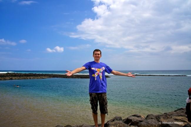 Пляж красив, но каменист