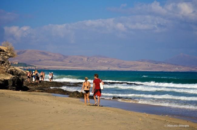 Народ устраивает прогулки по бесконечным пляжам