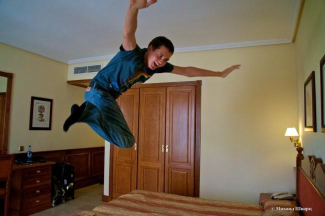 Испытываю кровать в отеле ZentralCenter