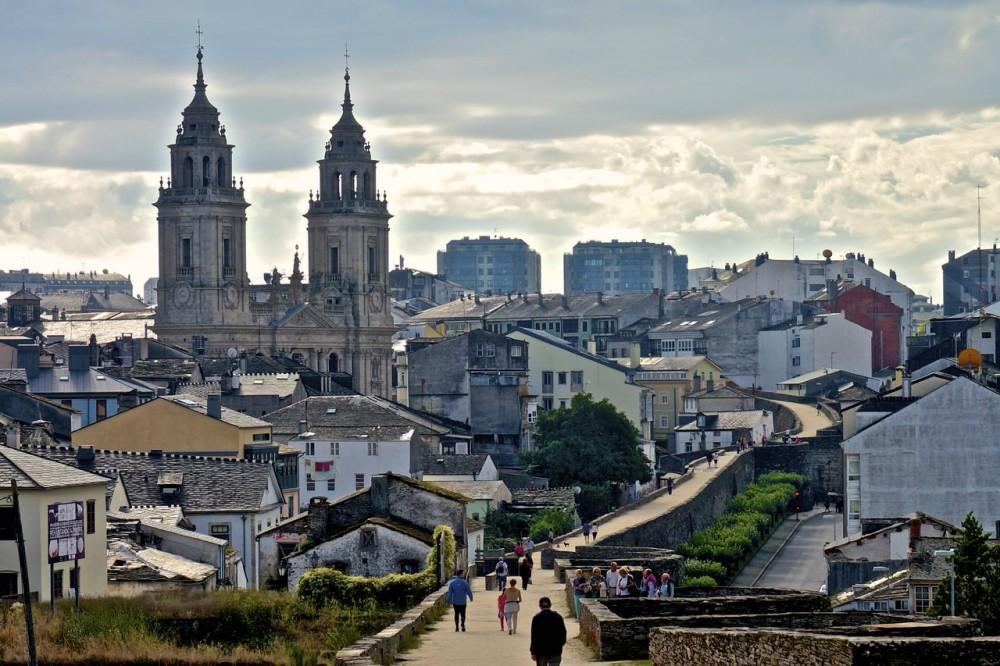 Город Луго (фото: Manuel Vidal)