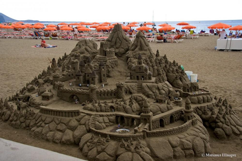 Песочные замки на пляже Лас Вистас