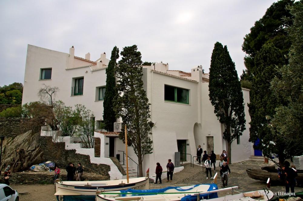Дом музей в кадакесе купить билет афиша городской театр новороссийск