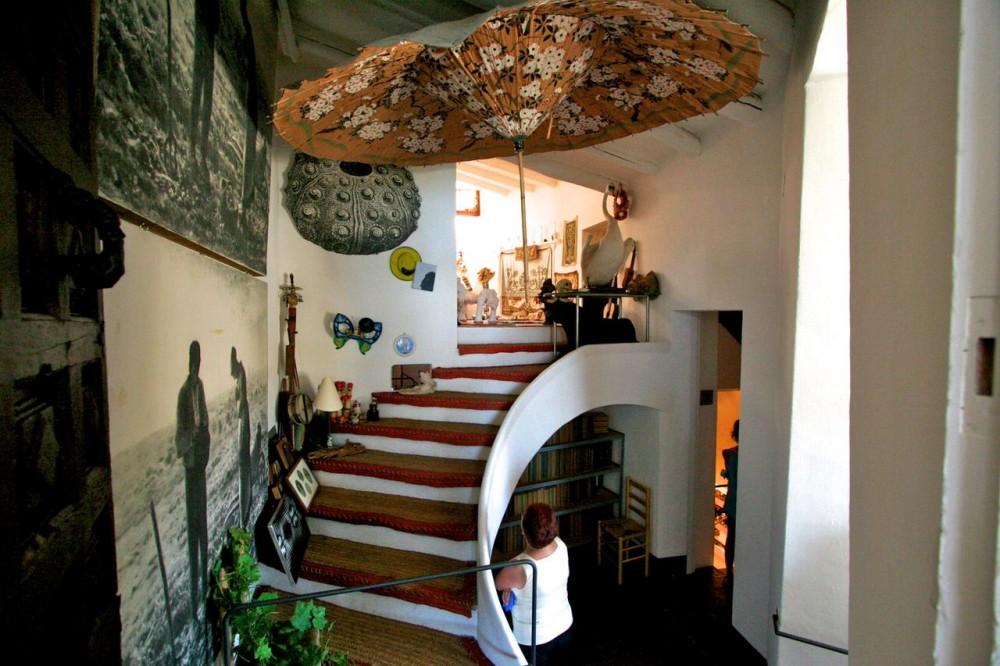 Лестница перед мастерской (фото: becky&ralpho)