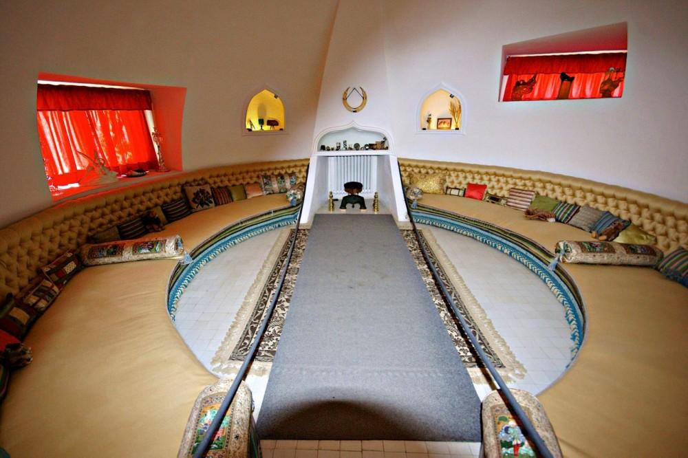 Овальный кабинет Галы (фото: Ferran Pestaña)