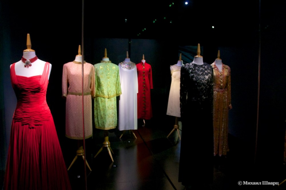 Выставка платьев Галы
