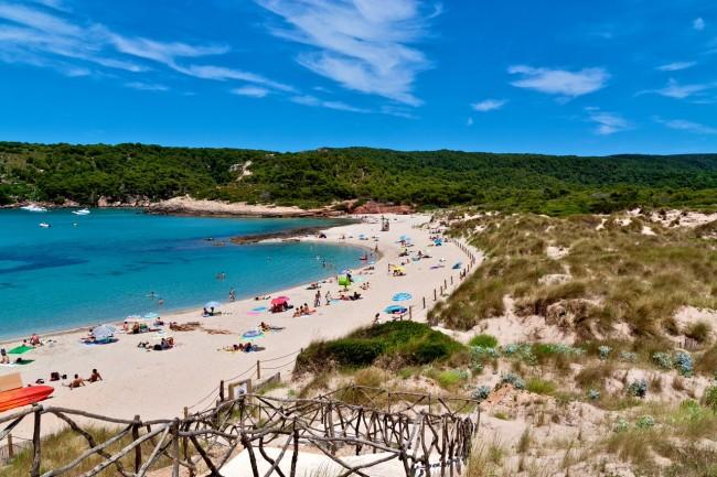 Белоснежный пляж d'Algaiarens