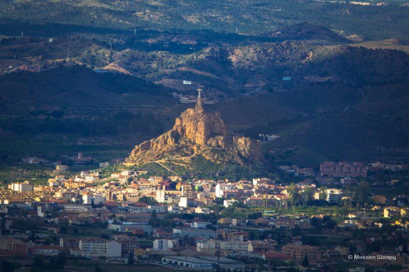 Вид на Монтеагудо со смотровой Mirador Cresta del Gallo