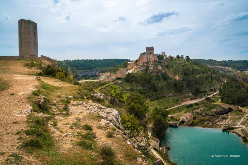 Кастильо-де-Аларкон и башня Кампо