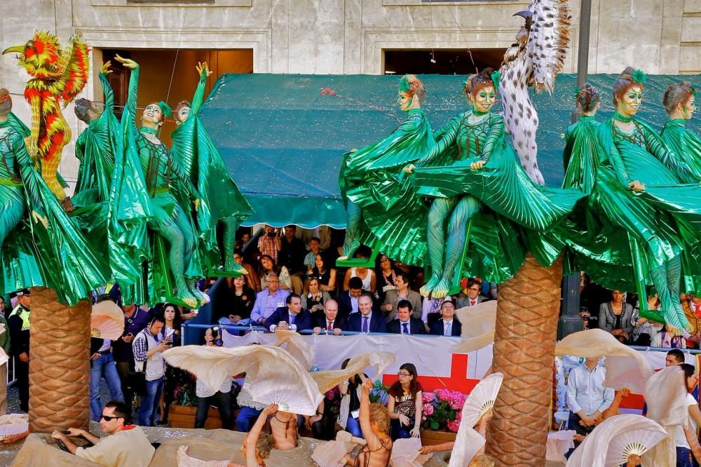 Карнавальное шествие (фото: PresidenciaGVA)
