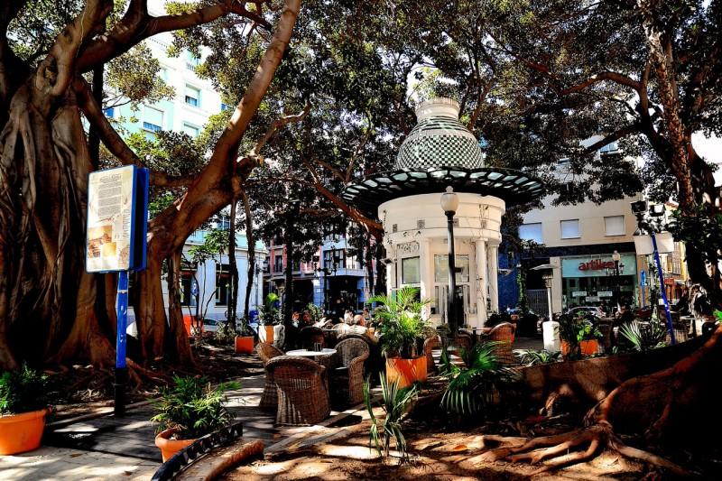 Площадь Portal de Elche