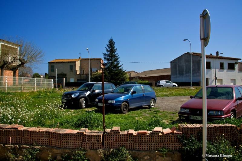 Импровизированная парковка в Пальсе