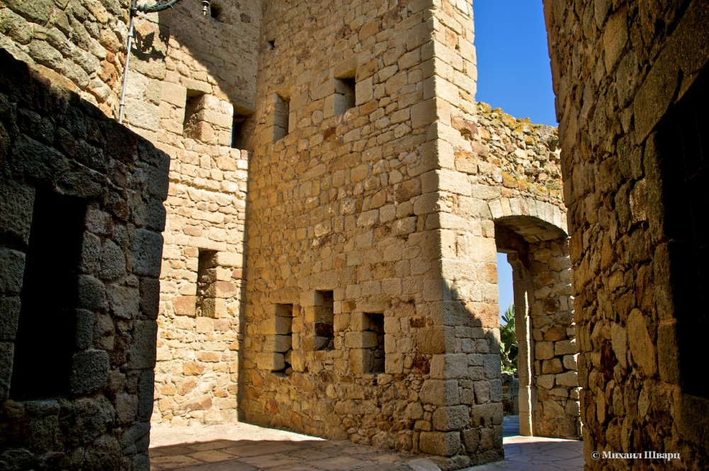 Стены и лабиринты
