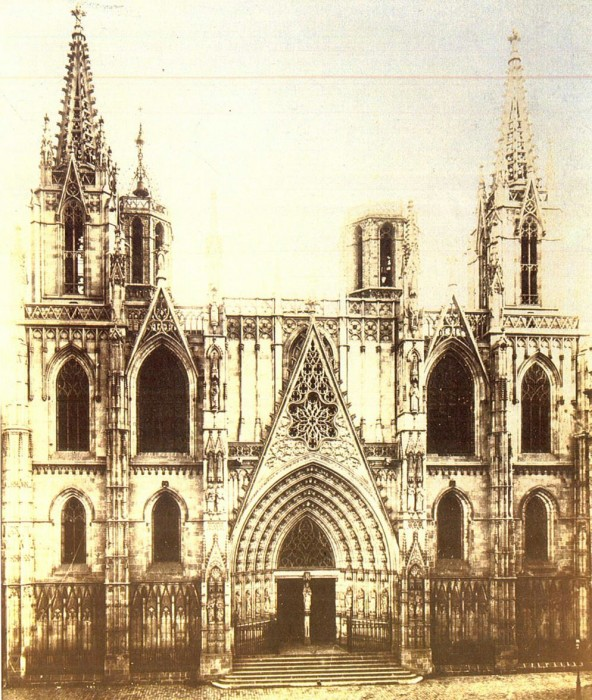 Главный фасад Барселонского собора в 1900 году