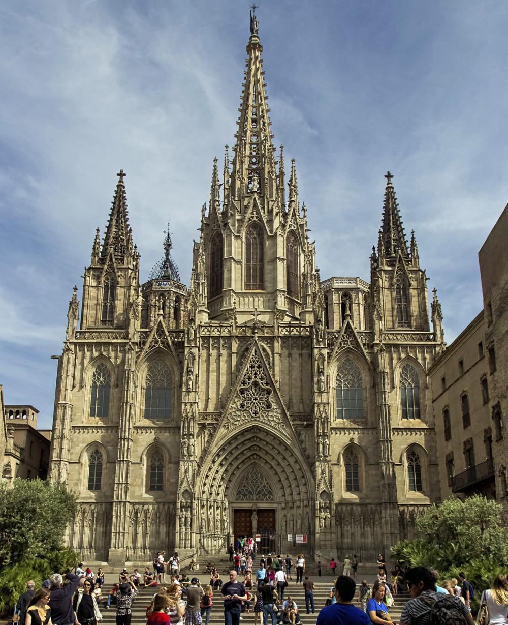 Собор Святого Креста и Святой Евлалии в Барселоне (фото: Rubén)