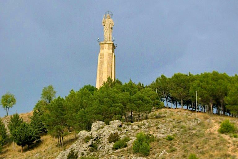 Статуя Спасителя на холме Сьерро дель Сокорро